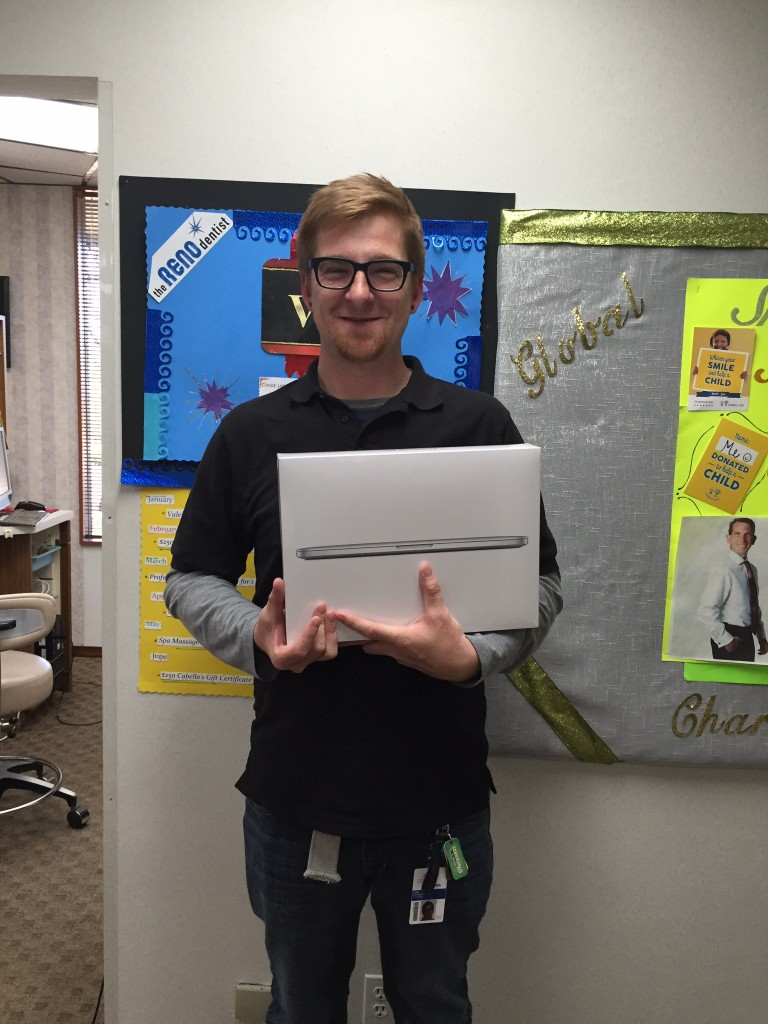 Macbook Winner Q1